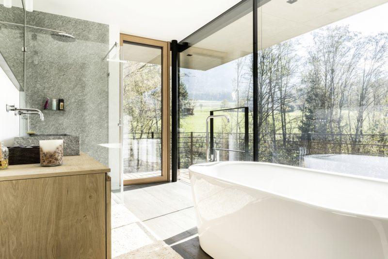 Moderní koupelna v rodinném domě