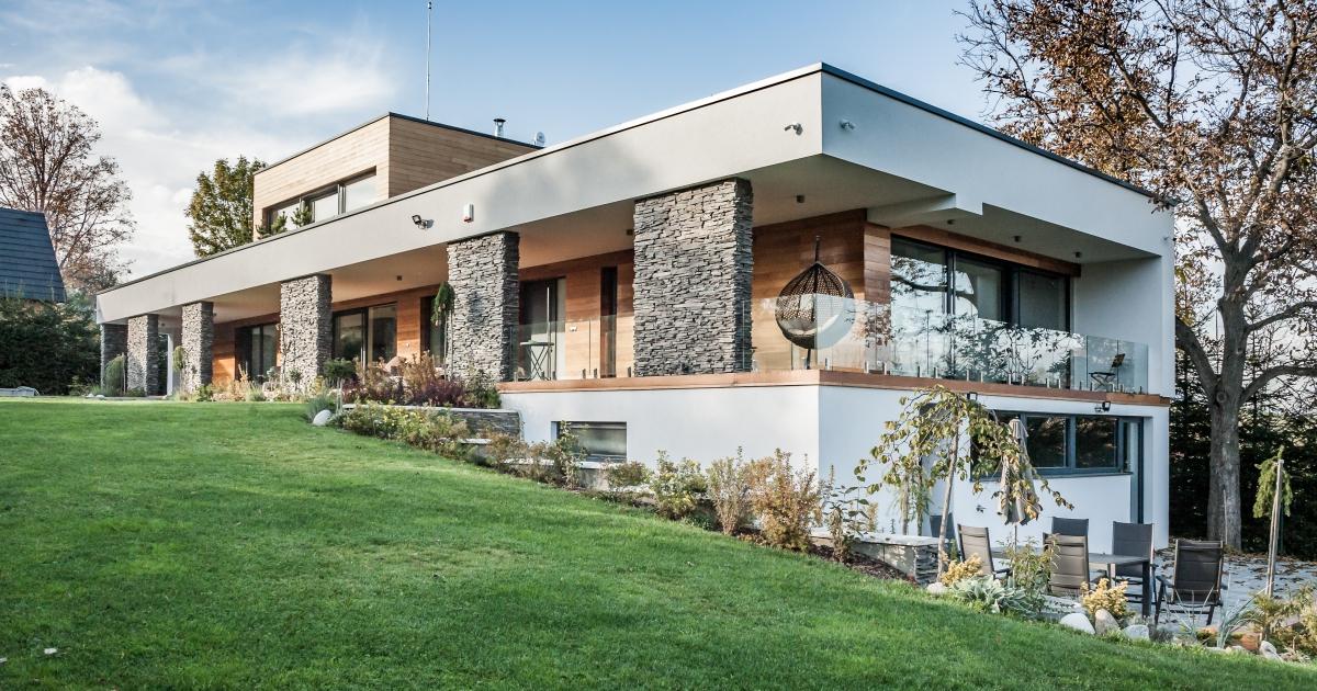 Moderní dům se zahradou