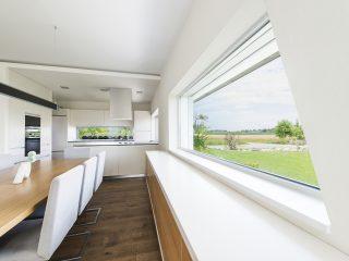 Moderní kuchyně s plastovými okny