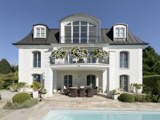 Krásný dům s bazénem a velkou zahradou